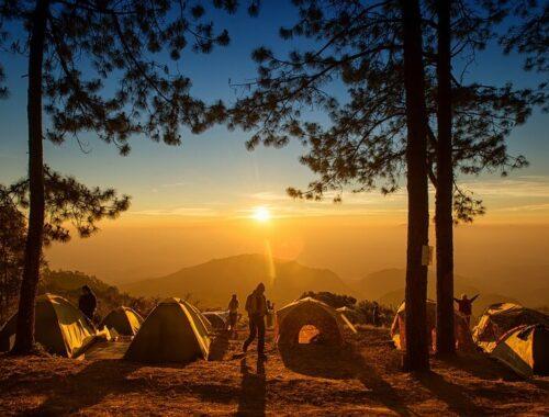 camping in tenda