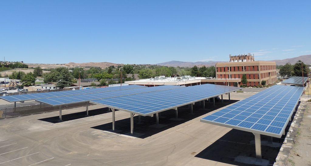 pensiline fotovoltaiche per parcheggi