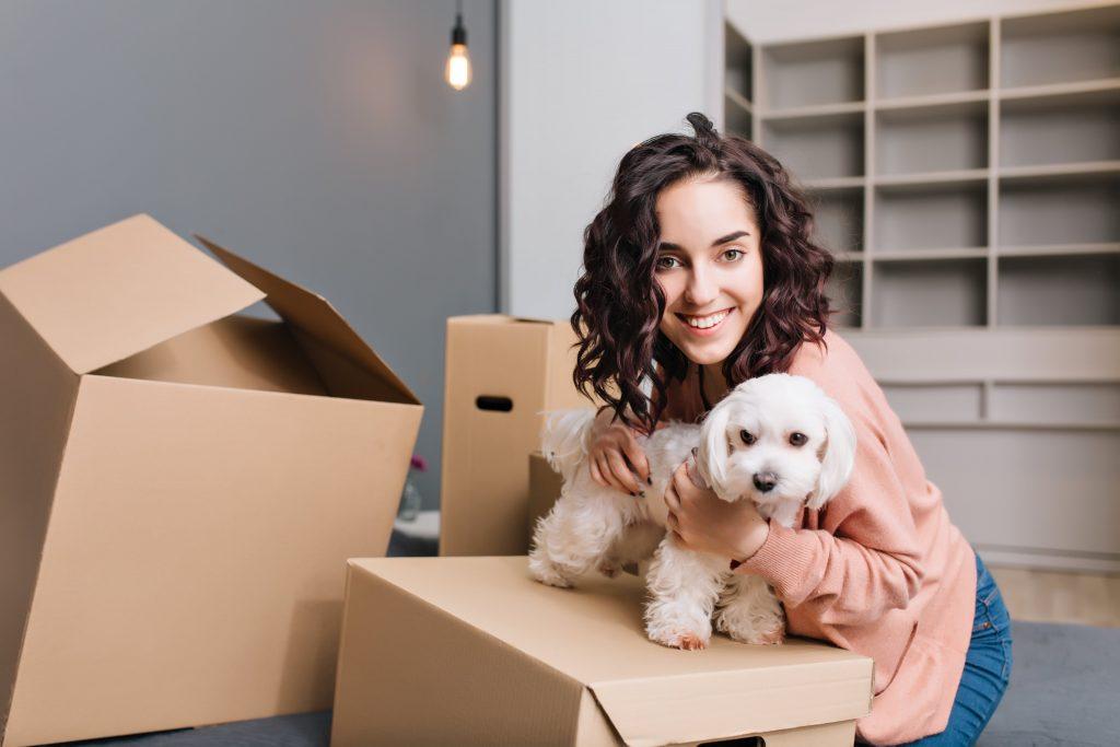 Come proteggere il tuo cane dallo shock da trasloco? 1